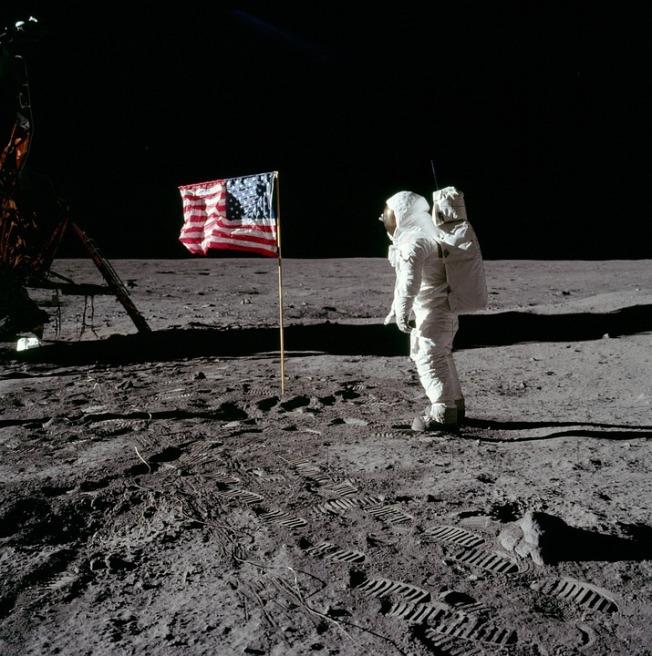 moon-landing-62879_960_720